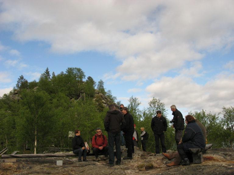 Alguns participants a l'illa sagrada d'Ukonsaari /Aïjih, al llac Inari.